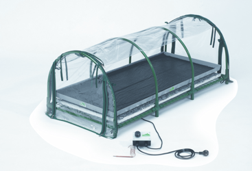 Heated Jumbo Propagator - Perfect propagator for hobby to semi-professional level.